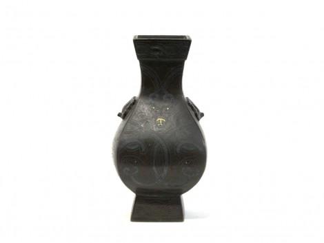 Vase en bronze - décor de dragon et taotie