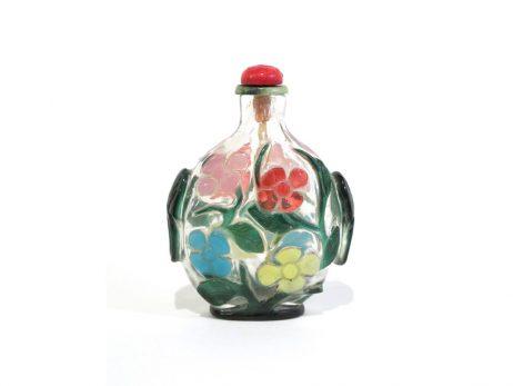 Tabatière en verre overlay cinq couleurs sur fond translucide sculptée d'un décor floral 2