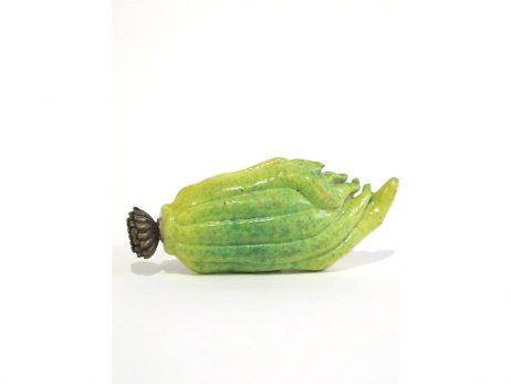 Tabatière en porcelaine jaune et verte moulée en forme d'un citron digité