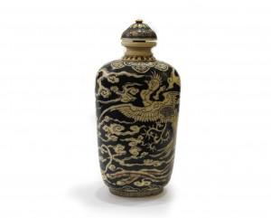 tabatiere-chinoise-ivoire-japonaise-teintee-noire-collection-antiquites-japon-chine-galerie-espace4-dragon-phenix-nuages