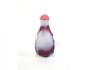 Tabatière chinoise en verre rouge rubis et blanc