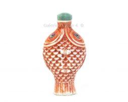 Tabatière chinoise en porcelaine moulée en forme de deux poissons accolés