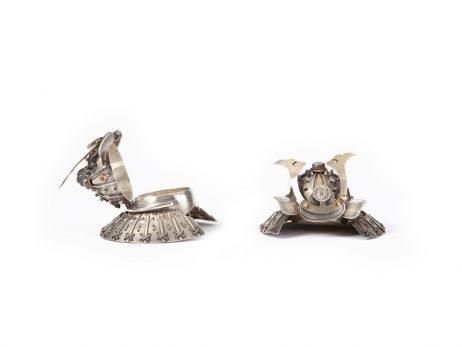 Buke Kabuto - Paire de bonbonnières argent et vermeil