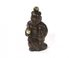 Netsuke en bois et ivoire katabori - Jongleur et ses balles