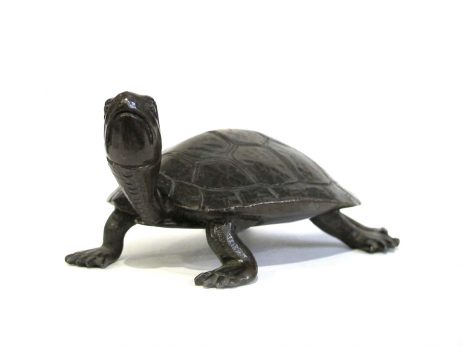 Sculpture d'une tortue en bronze 2