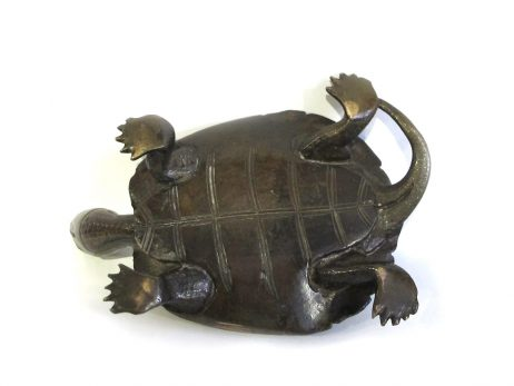 Sculpture d'une tortue en bronze 4