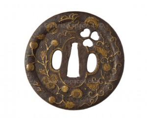 Tsuba de style Heianjo en fer - Pétales d'aoi ajourés