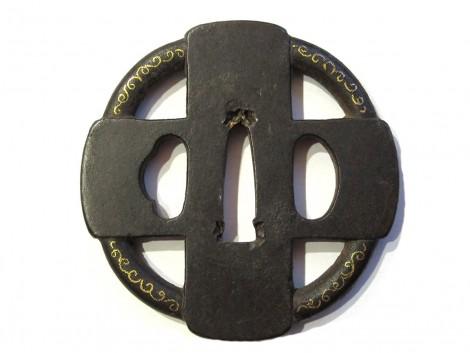Tsuba en fer marugata - Motif namban de croix