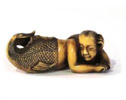 Sirène en ivoire netsuke japon mer