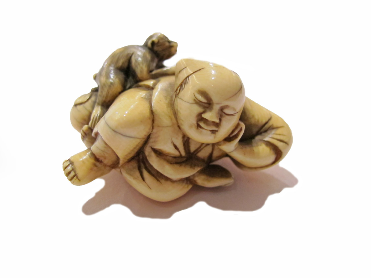 Ivory Netsuke Sarumawashi With His Monkey Art From