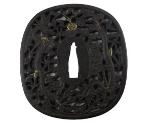 Tsuba carrée bords arrondis rinceaux dragons